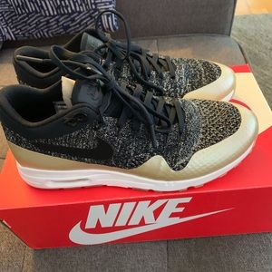 Women 8.5 Nike Air 1 Ultra 2.0 Fly Knit -Brand New